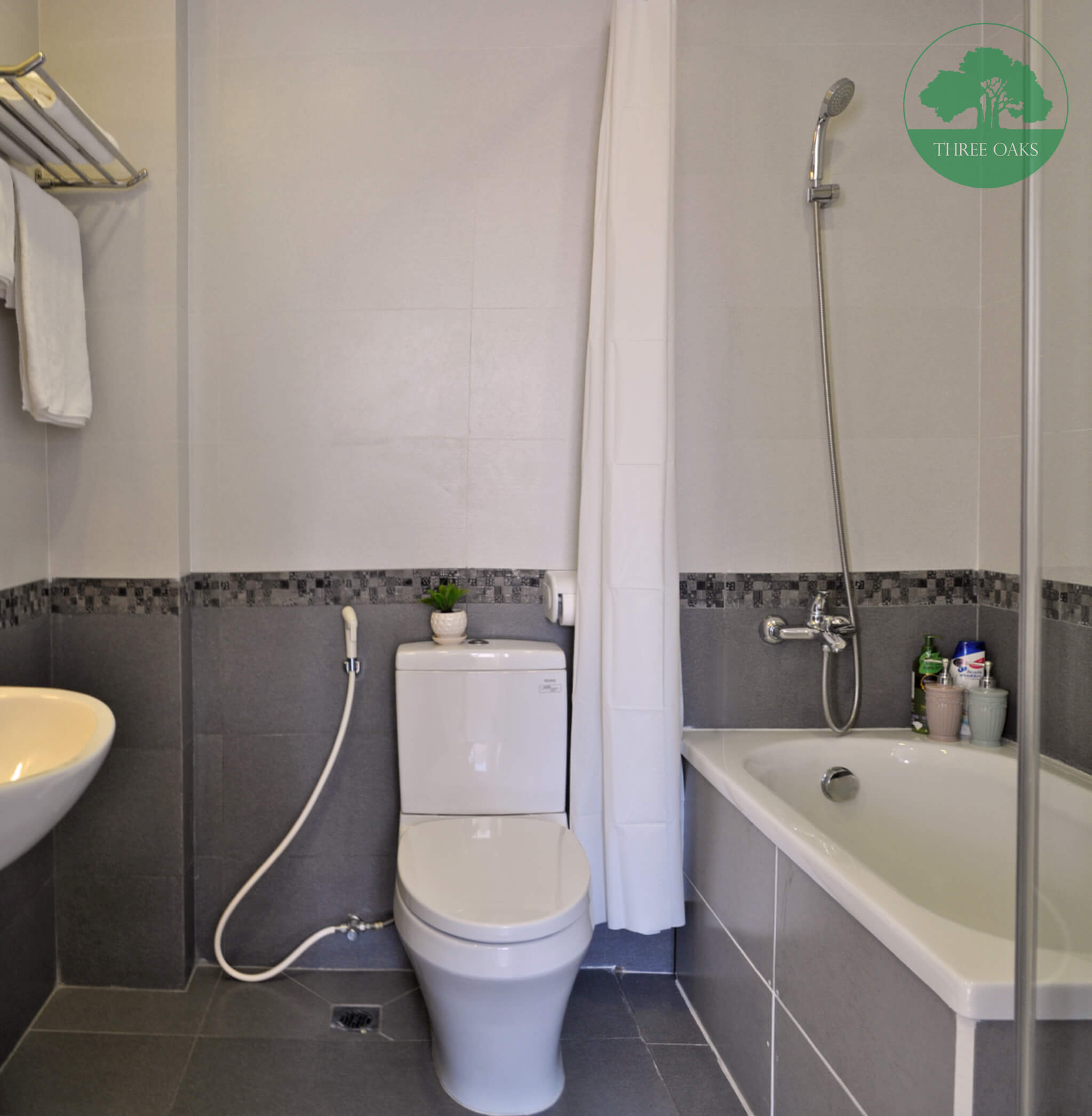 serviced-apartment-in-hcm-for-rent-in-District-1-three-oaks-5