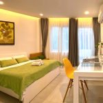 serviced-aparment-room-for-rent-saigon-One-bedroom-with-Small-backyard-2