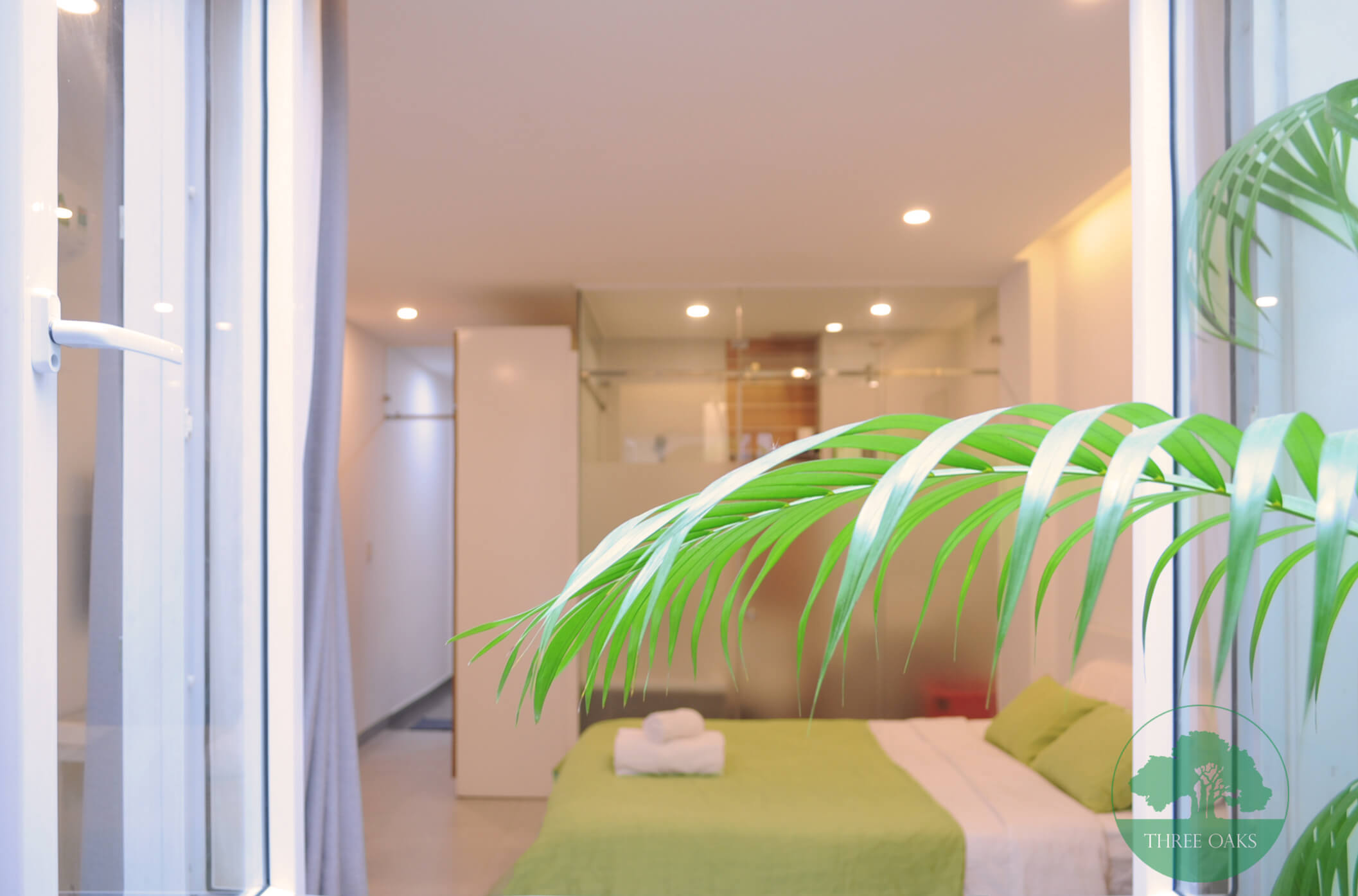 serviced-aparment-room-for-rent-saigon-One-bedroom-with-Small-backyard-4