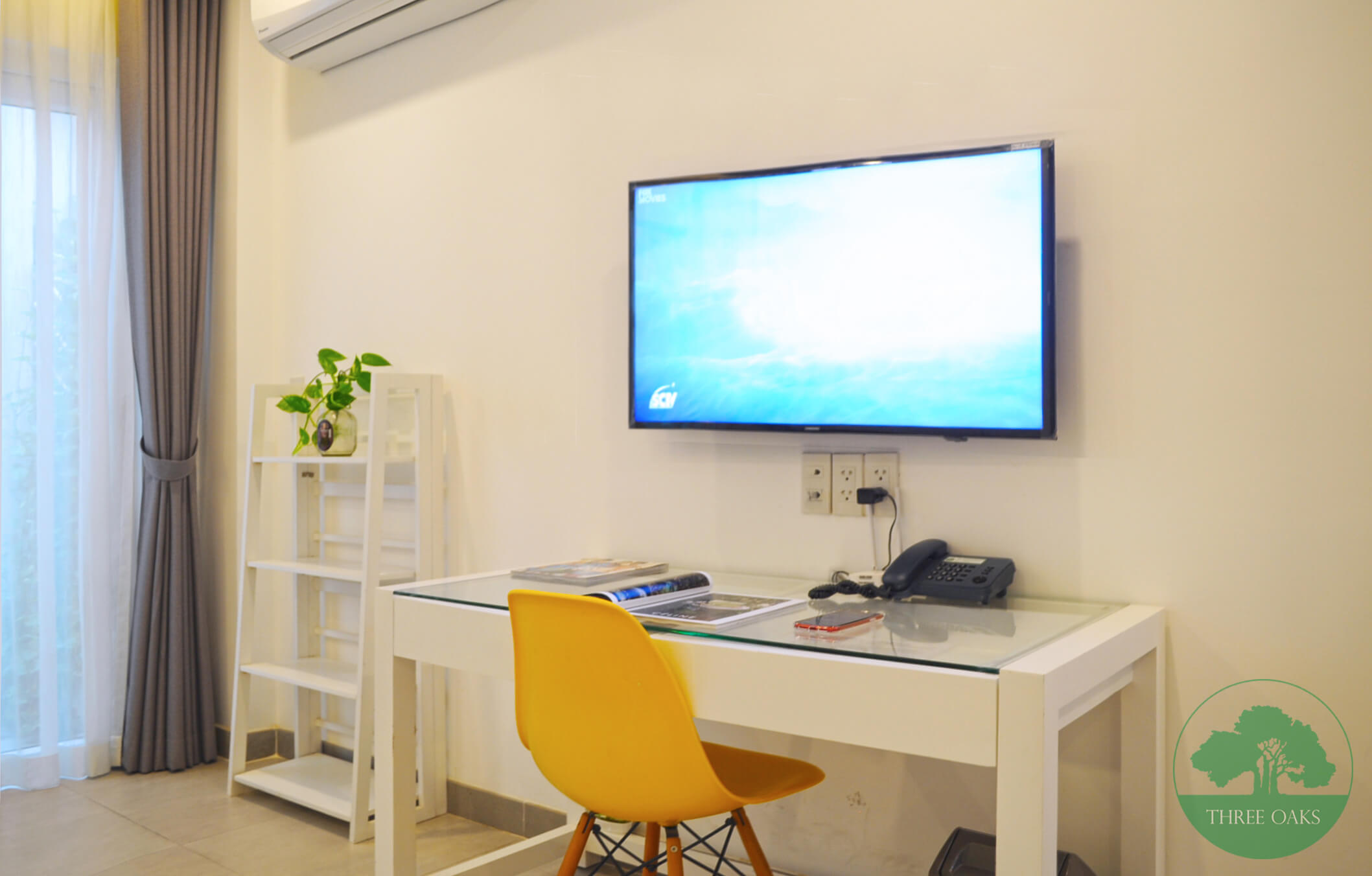 serviced-aparment-room-for-rent-saigon-One-bedroom-with-Small-backyard-5